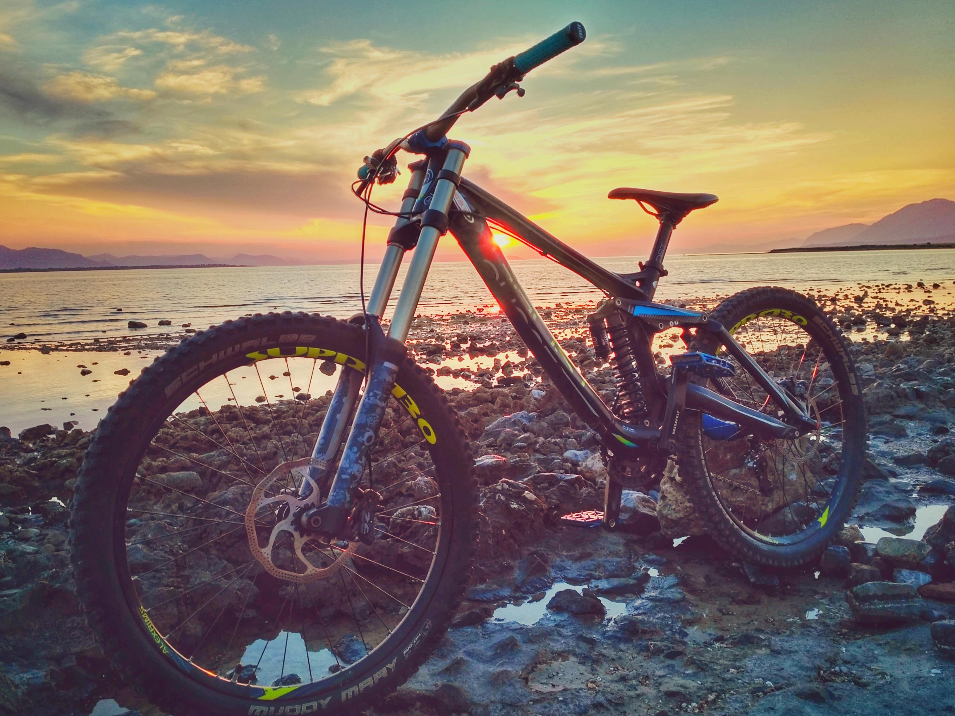 Bike barata ou cara: downhill bike