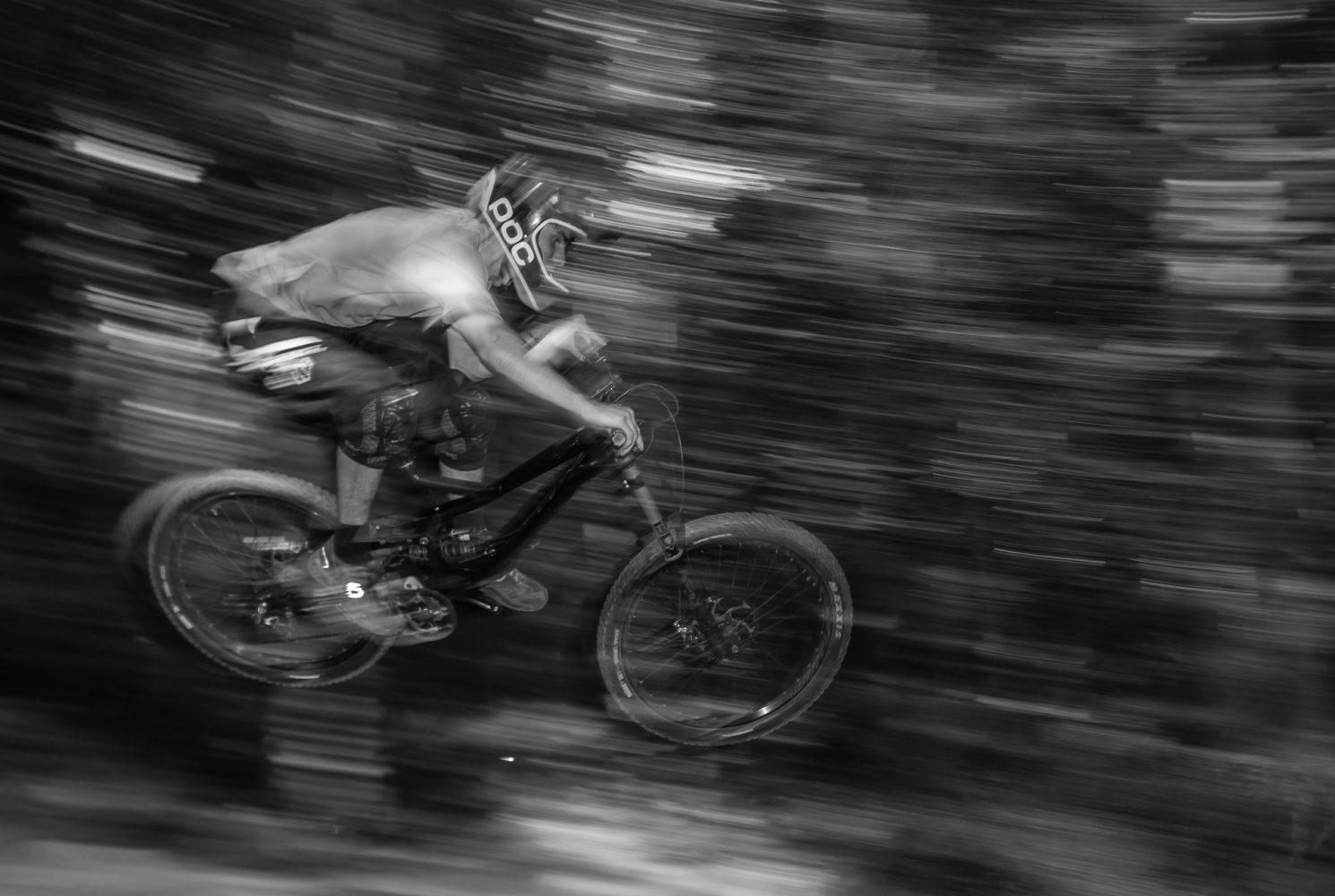 Sistema de amortecimento: salto veloz de bike