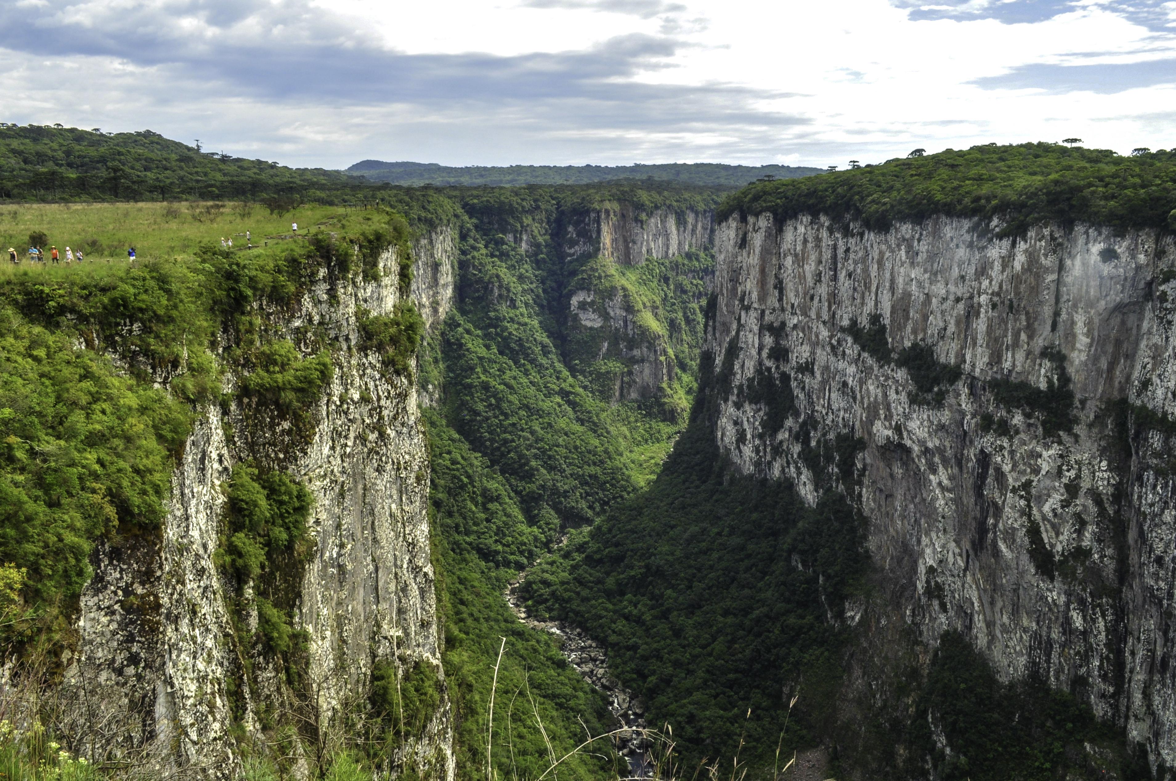Trilhas para Hiking e Trekking: Aparados da Serra