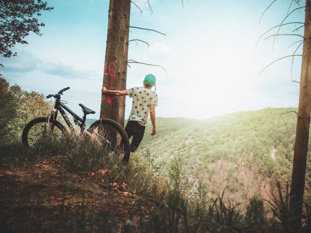 homem bike natureza