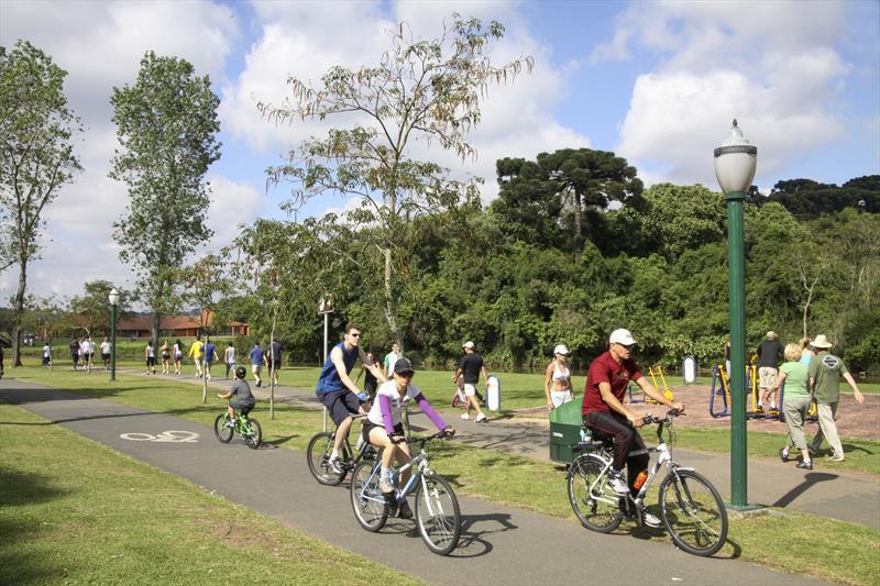 Ciclovia em parque de Curitiba