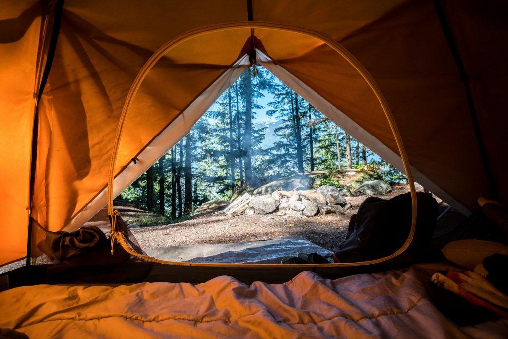 Barraca é um item necessário para camping